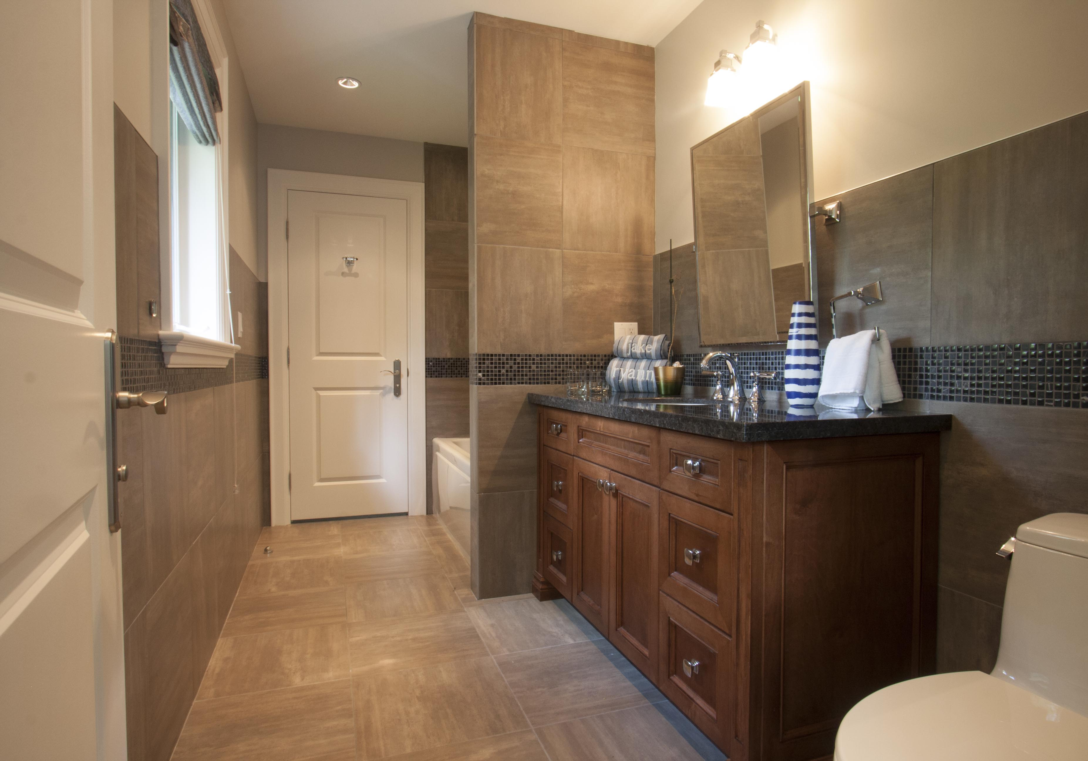 Bathroom with vanity - Custom Bathroom Vanity